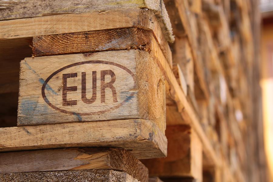 <p>euro stamped pallet</p>